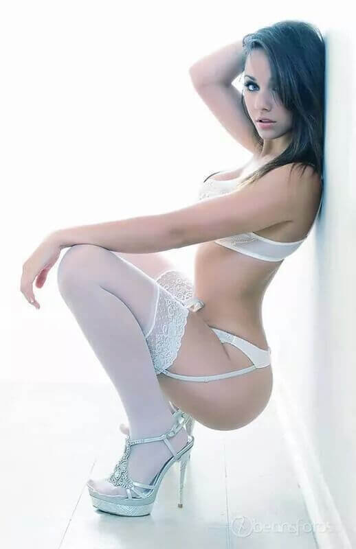 sexy-babe-in-stockings