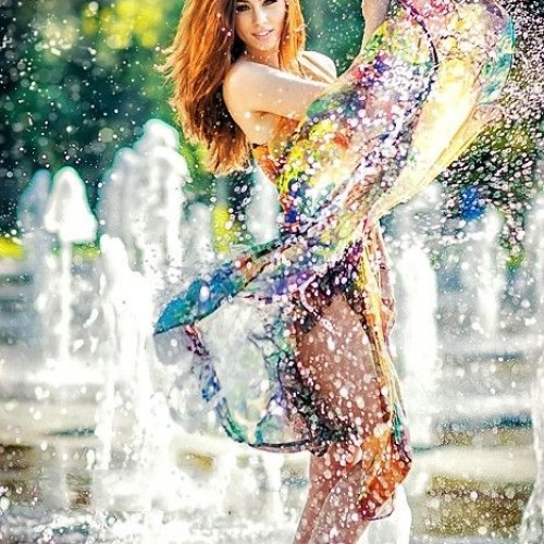 Color&Beauty dance with the water..