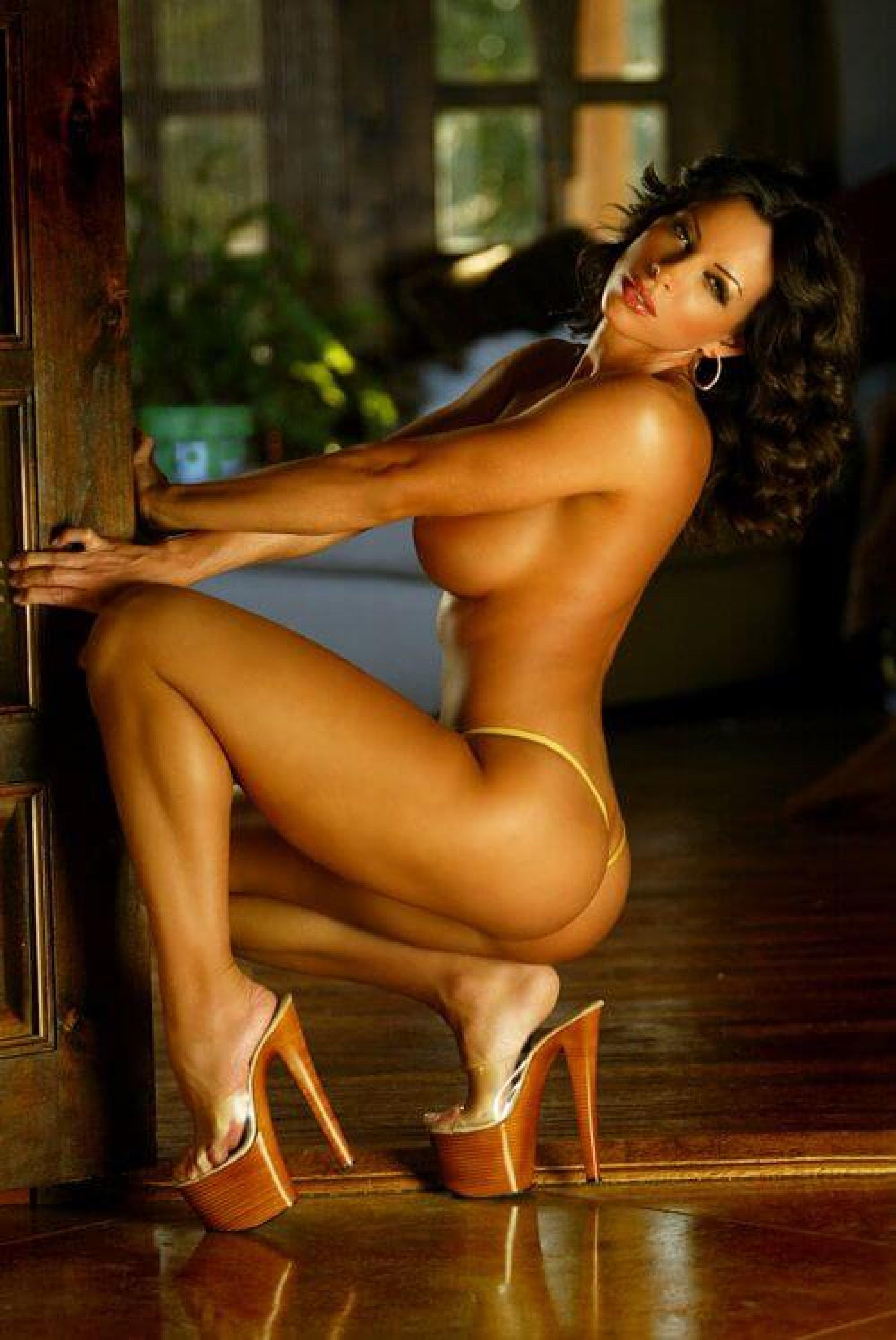 Download Female Ffitness Model Ava Cowan Photos Wallpaper Hq Free Uploaded By