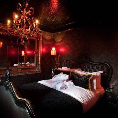 Een rondleiding in een BDSM kelder