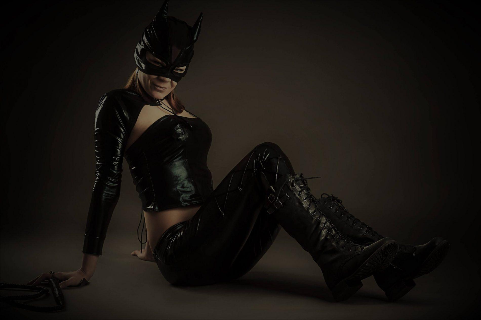 Sexy Cat women Pics