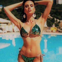 Hot hot hot summer babe